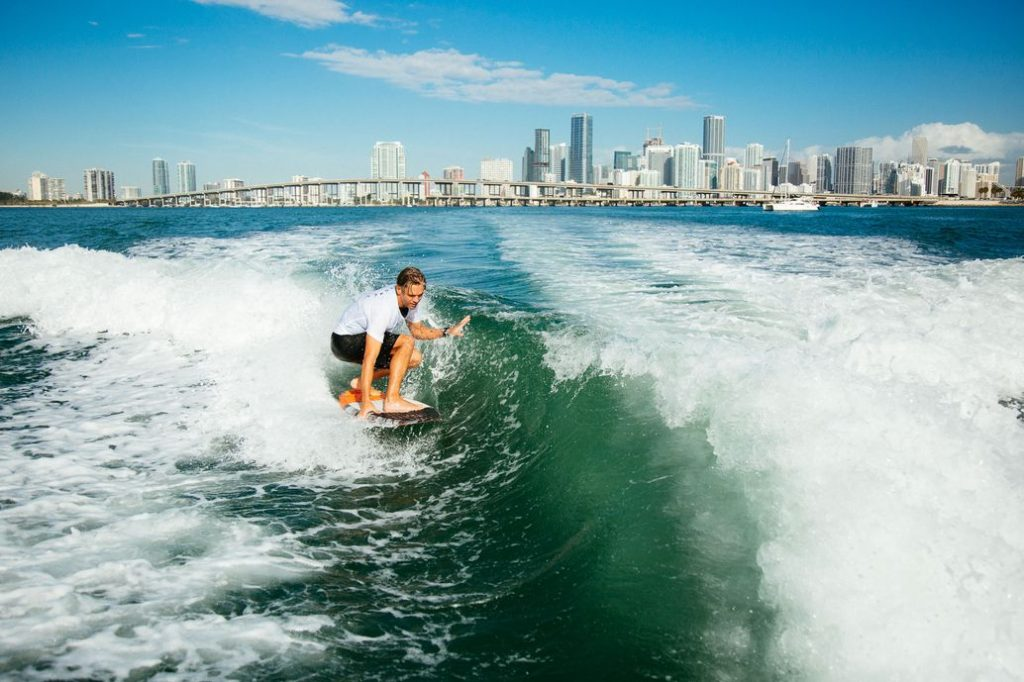 Demonstration wakesurf miami